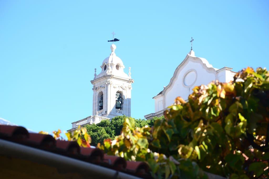 """View of beautiful Graça church"""