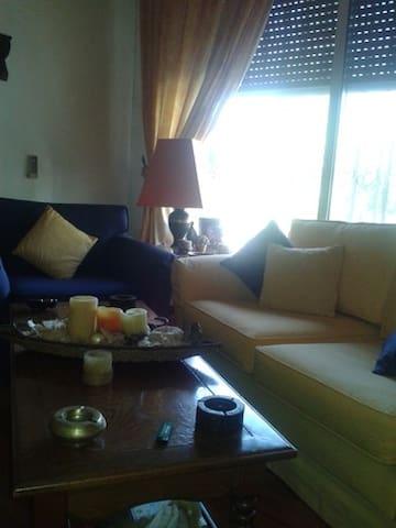 Cozy room for single female traveler in Abdoun
