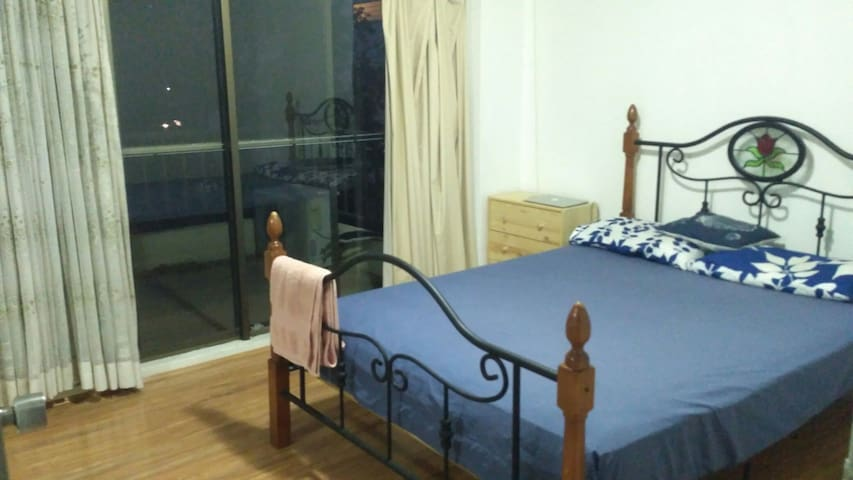 Private room in the heart of Parramatta, Sydney