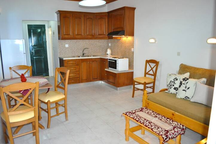 Kostas Beach Apartments - GR - Apartment