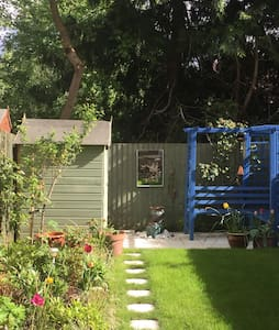 Comfortable and stylish room in Sunbury-On-Thames