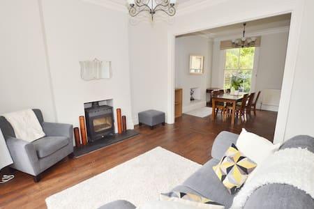Victorian 5 bed home close to Cheltenham centre - Cheltenham