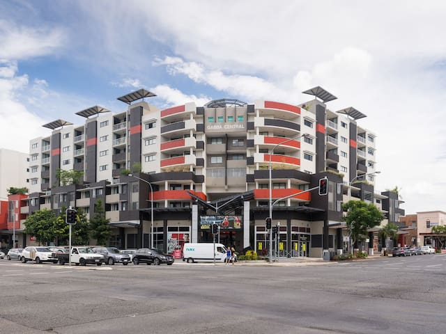 Catch the game, work or play - 2km from the CBD! - Woolloongabba - Apartmen