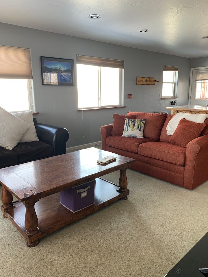 Cozy 2BD/1BA in Gunnison
