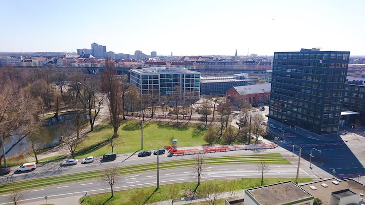 Modern central apt with city view on Wöhrder See