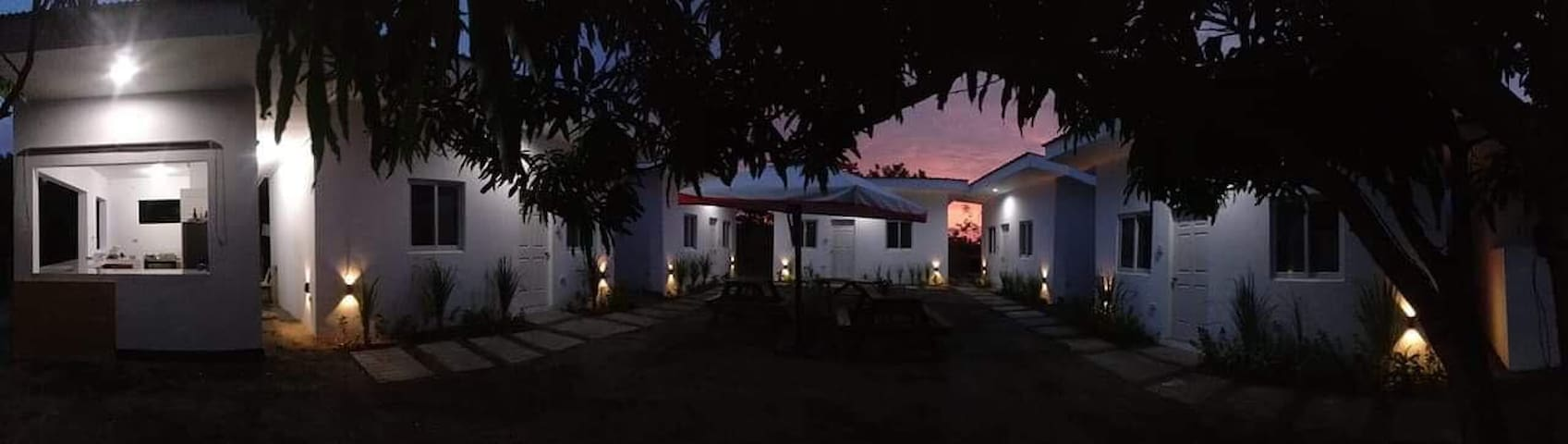 So Beachy Bed and Breakfast Hostel (6-8pax)