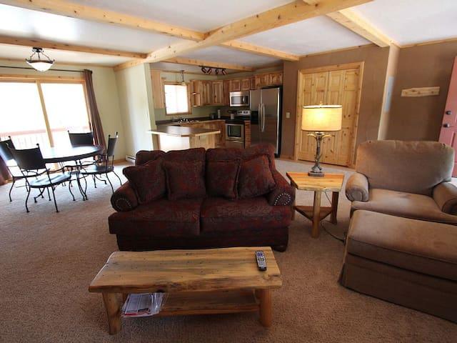 Swan River Lodge-Condo #5 - Condon - Leilighet