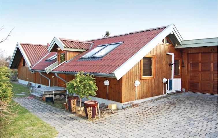 Holiday cottage with 3 bedrooms on 100m² in Karrebæksminde