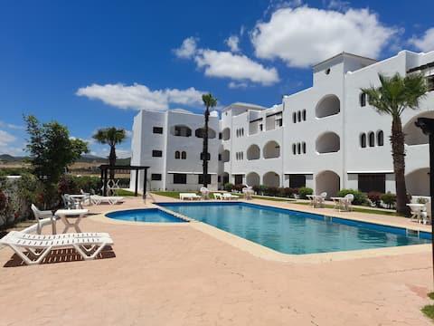 Apartamento con vistas a la montaña y piscina. 206