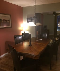 Cosy open concept apartment - Gananoque - Appartamento