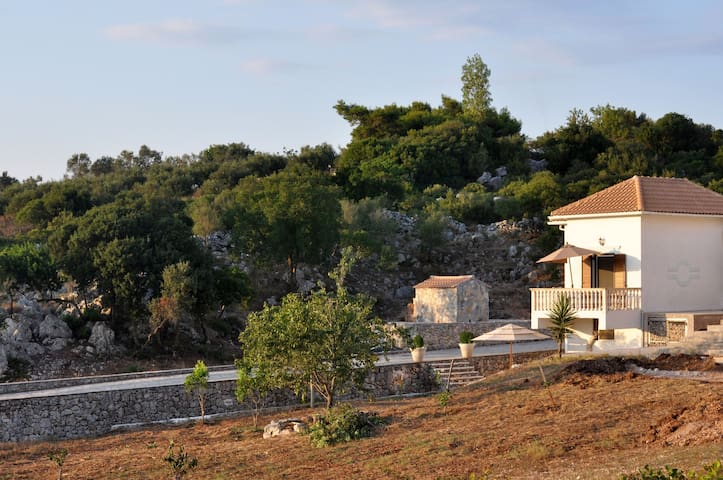 Wild Fig Retreat & Apartments (B2) - Maries - Appartement