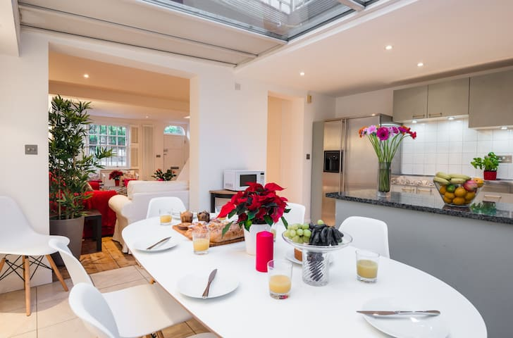CHELSEA LONDON TOWN HOUSE - GREAT PLACE TO STAY