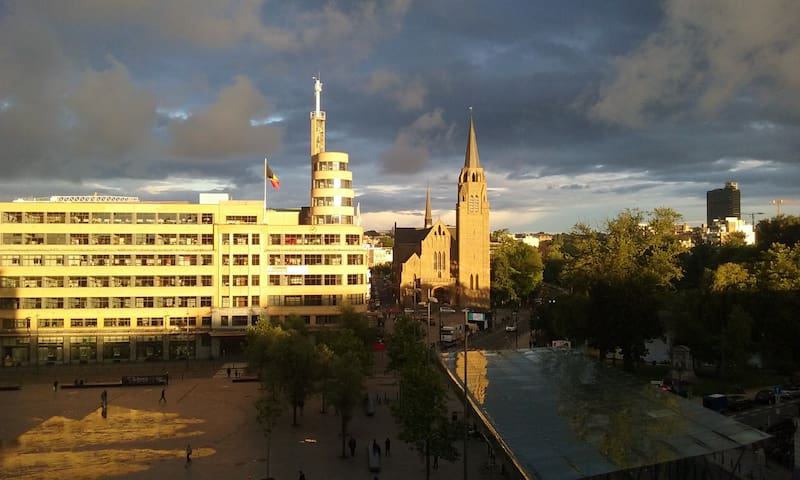 Flagey: stunning view from bright and spacious 2BR