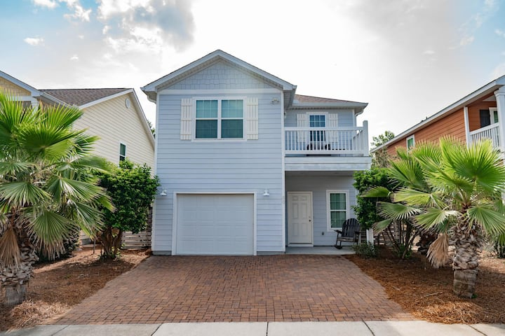 Beautiful Contemporary 3-Bed Home in Inlet Beach!