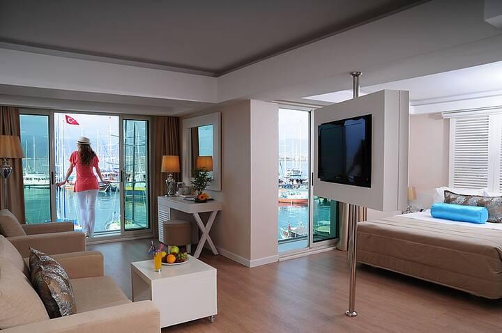 Alesta Yacht Hotel Sea View Room