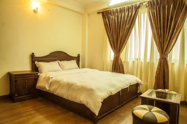 Comfortable attached room - Patan - House