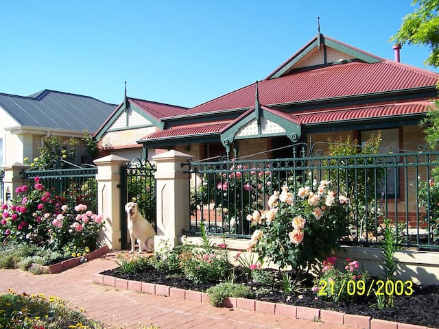 Cottage Green, 5 mins from Adelaide City! - Brompton - 단독주택