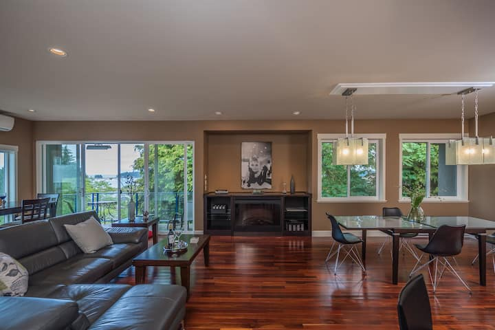 Luxury Penthouse with a view in Downtown Nanaimo