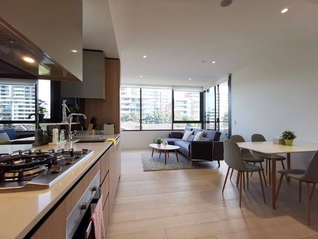 One Bedroom Brand New Apt@Macquarie Park