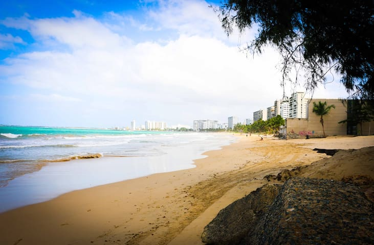 IVTower Apartment in Isla Verde Avenue