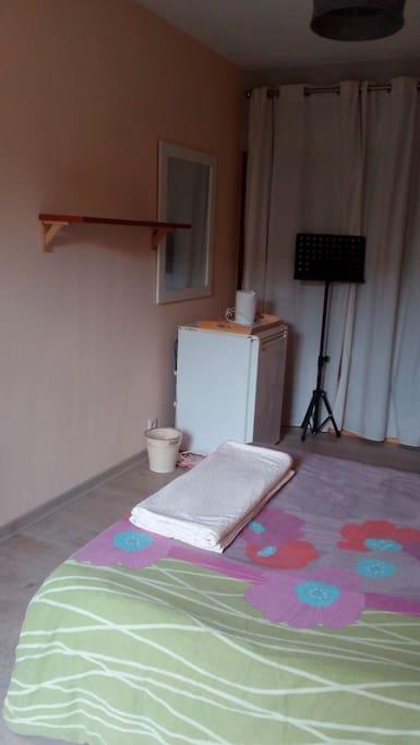 chambre louer houses for rent in guillestre provence alpes c te d 39 azur france. Black Bedroom Furniture Sets. Home Design Ideas