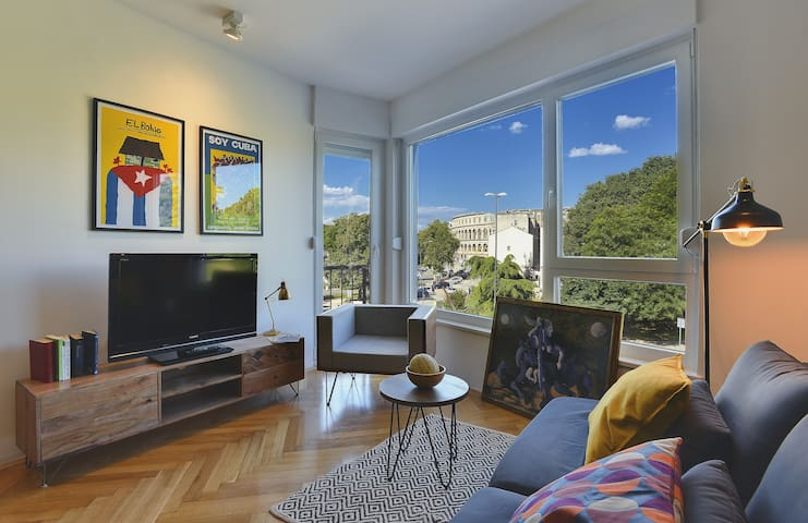 Place To Be - City Center Apartment