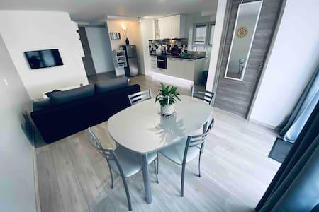 Appartement avec Parking Privé, entièrement équipé