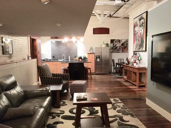 Luxury 2BR Federal Hill Artist Loft