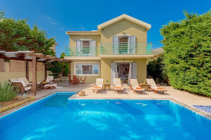 Beachfront Villa Alexandra with private swimming pool