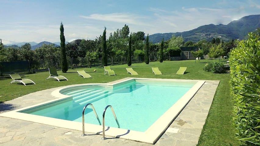 Private villa for 8/10 person with pool - Capannori