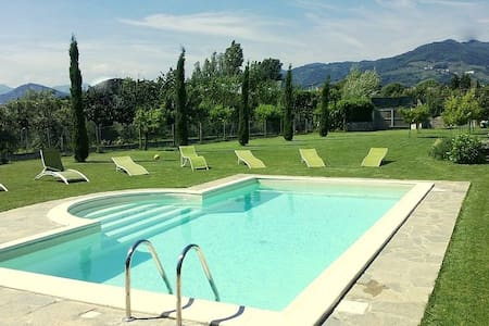 Private villa for 8/10 person with pool - Capannori