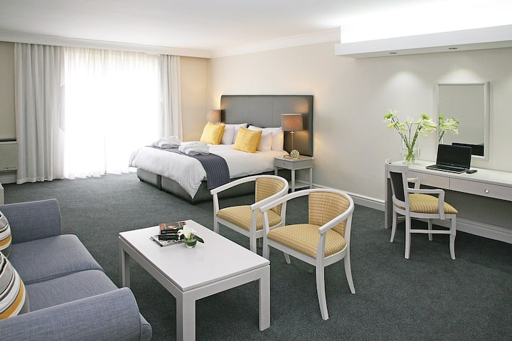 A Modern Studio Aparthotel, in central Cape Town