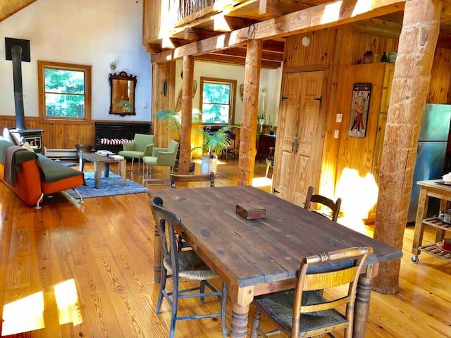 Tranquil Cherry Lane Cabin