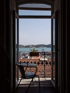 Charming double room with amazing river view - Lisboa