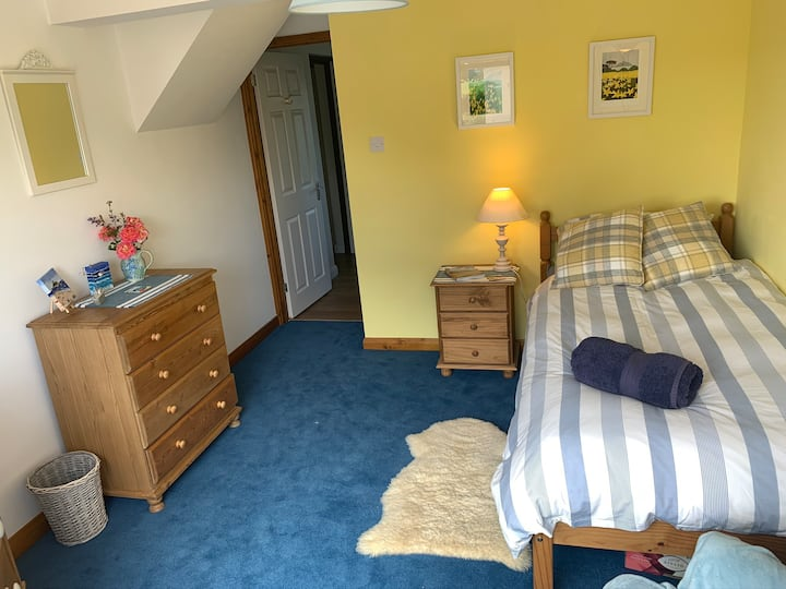 Single room close to Marazion with own kitchen