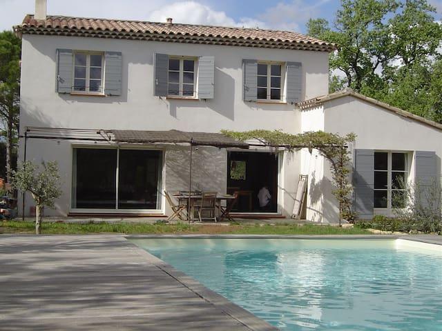 Villa, piscine, Luberon, prox Aix-en-Provence - Mirabeau - 別荘