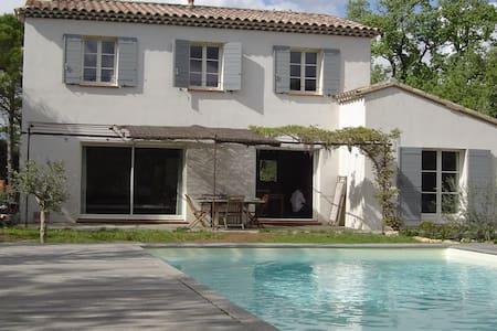 Villa, piscine, Luberon, prox Aix-en-Provence - Mirabeau