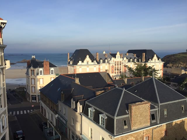 Nice duplex of 90m2, by the beach, sea views - Saint-Lunaire - Huoneisto