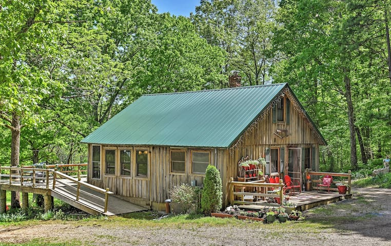 1BR + Loft Marble Hill Cabin on 270 Private Acres