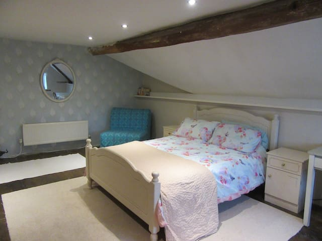 Double Attic room in Country House Nr Montgomery