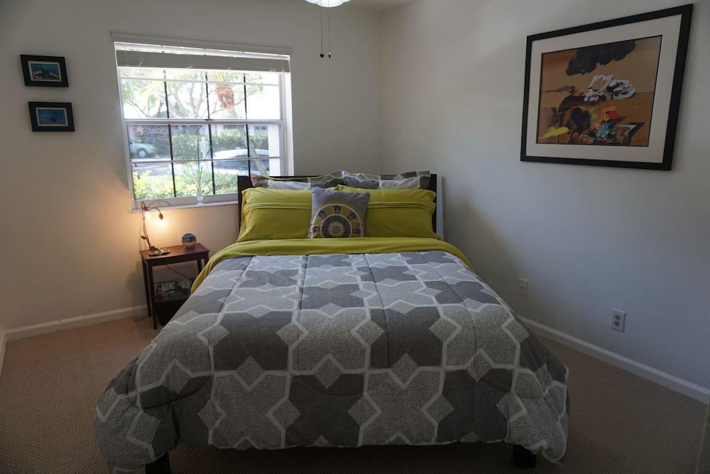 Queen bed, very comfortable mattress