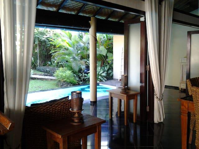 Private Garden Villa with pool - close to Lovina