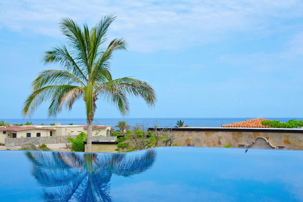 Fabulous Views and Exquisite Pool at 'Villa Desierto'