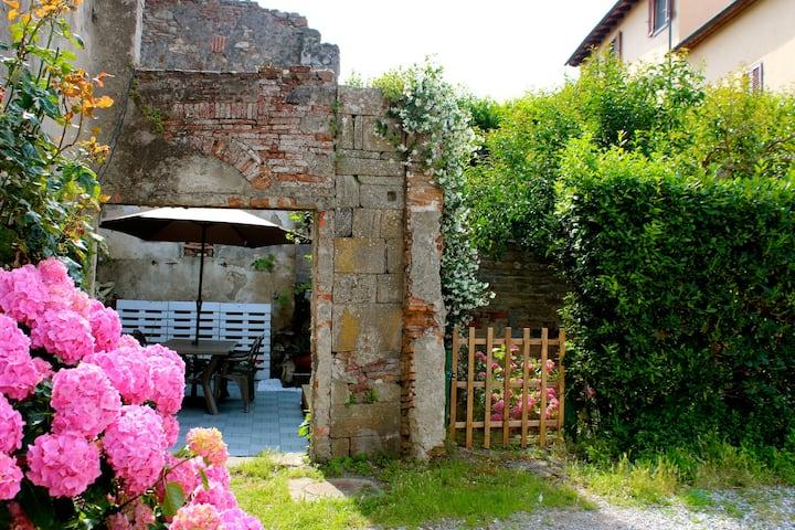 Historic Tuscan farmhouse