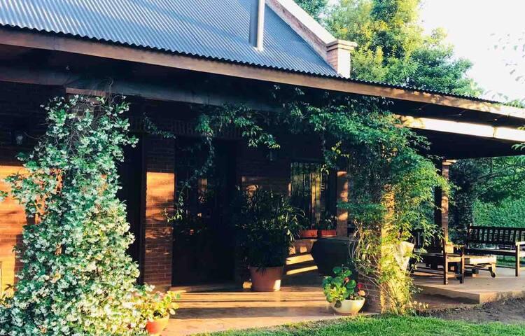 Casa de campo, paz, y relax en Villa Elisa