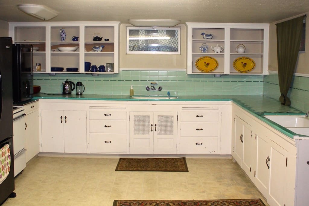 Giant retro kitchen :)