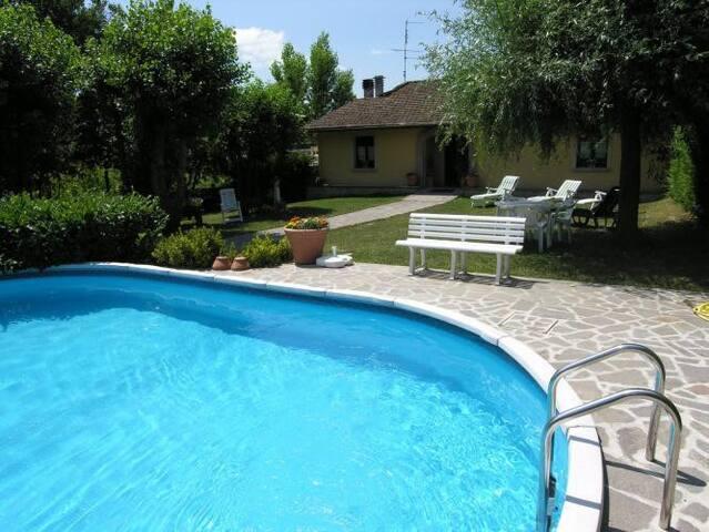 Farmhouse with private garden and pool - Vicchio - Casa