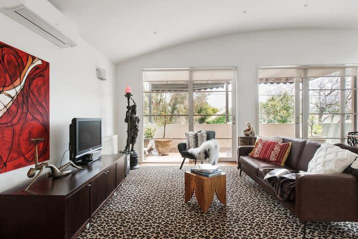 Elegant Double Storey Home w bespoke art & balcony
