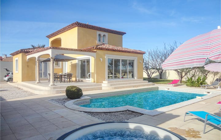 Amazing home in Marseillan with 3 Bedrooms