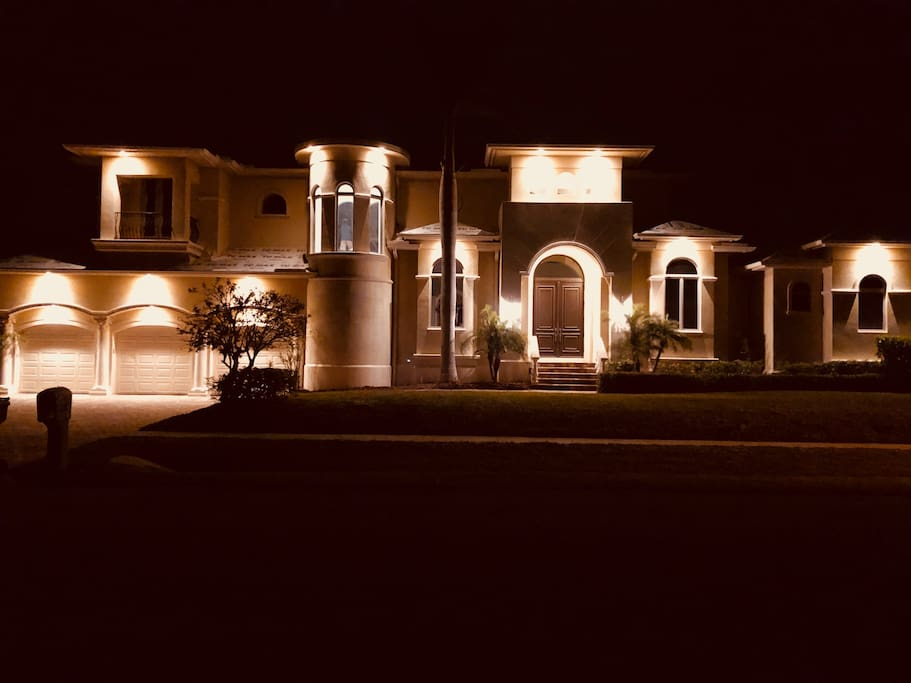 Come home to this after dinner and drinks! Beautiful at night!